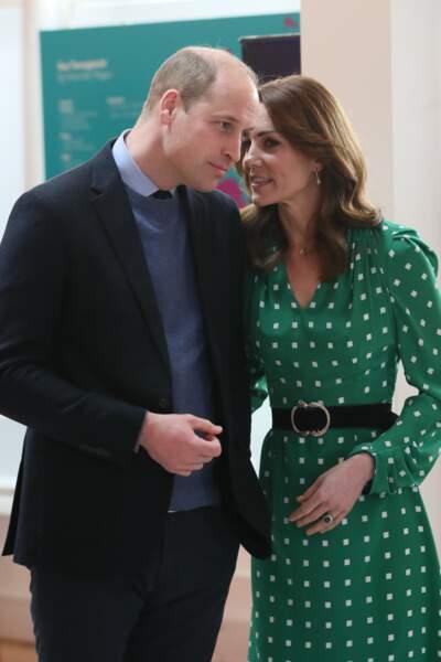 À l'occasion d'un événement au restaurant Tribeton de Galway, Kate Middleton et le prince William sont très complices.