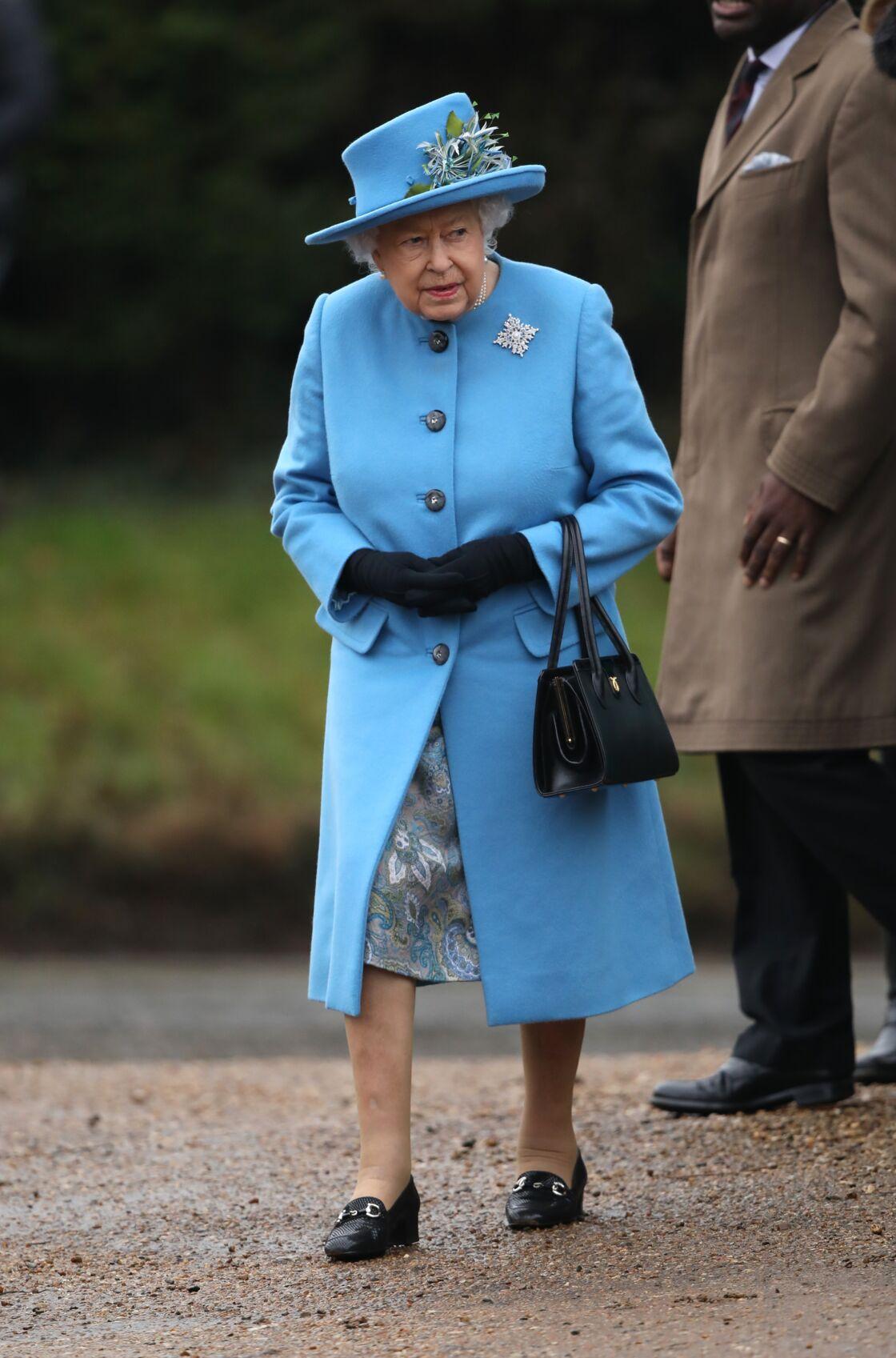 Jugée à risque face au coronavirus, tout comme le prince Philip, Sa Majesté Elizabeth II ne pourra pas accueillir les membres de sa famille comme elle le voudrait