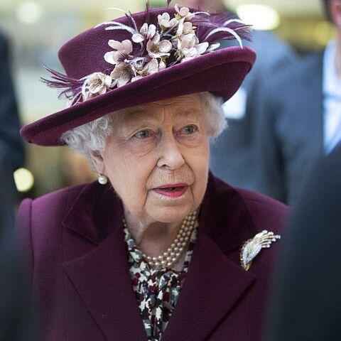 """Elizabeth II, """"le cœur brisé"""", craint de ne pas voir grandir le petit Archie"""