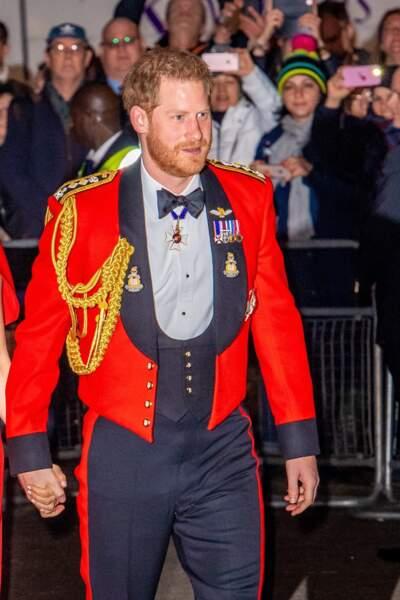 Uniforme de rigueur pour le princeHarry, encore à la tête de la Marine Royale