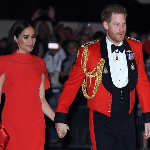 PHOTOS – Le prince Harry relooké par Meghan Markle: les dernières tenues assorties jusqu'au bout