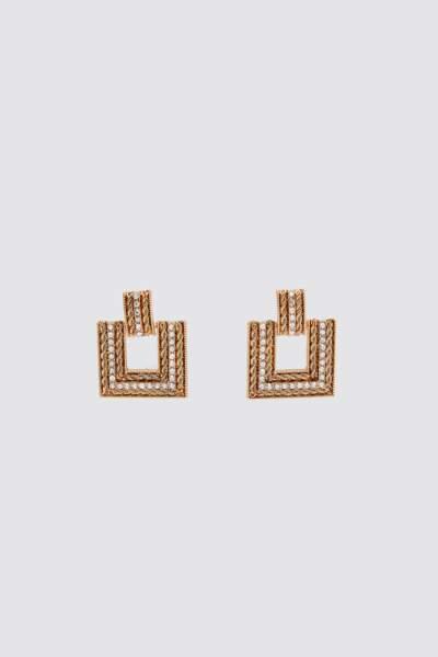 Boucles d'oreilles en métal et strass, 12,95 €, ZARA.