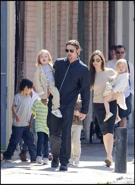 La famille Jolie Pitt en balade à la Nouvelle Orléans en 2011.