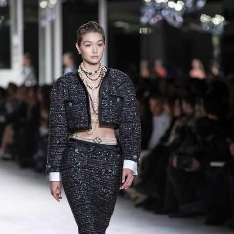 PHOTOS – Bijoux: adoptez le collier chaîne, tendance cet été