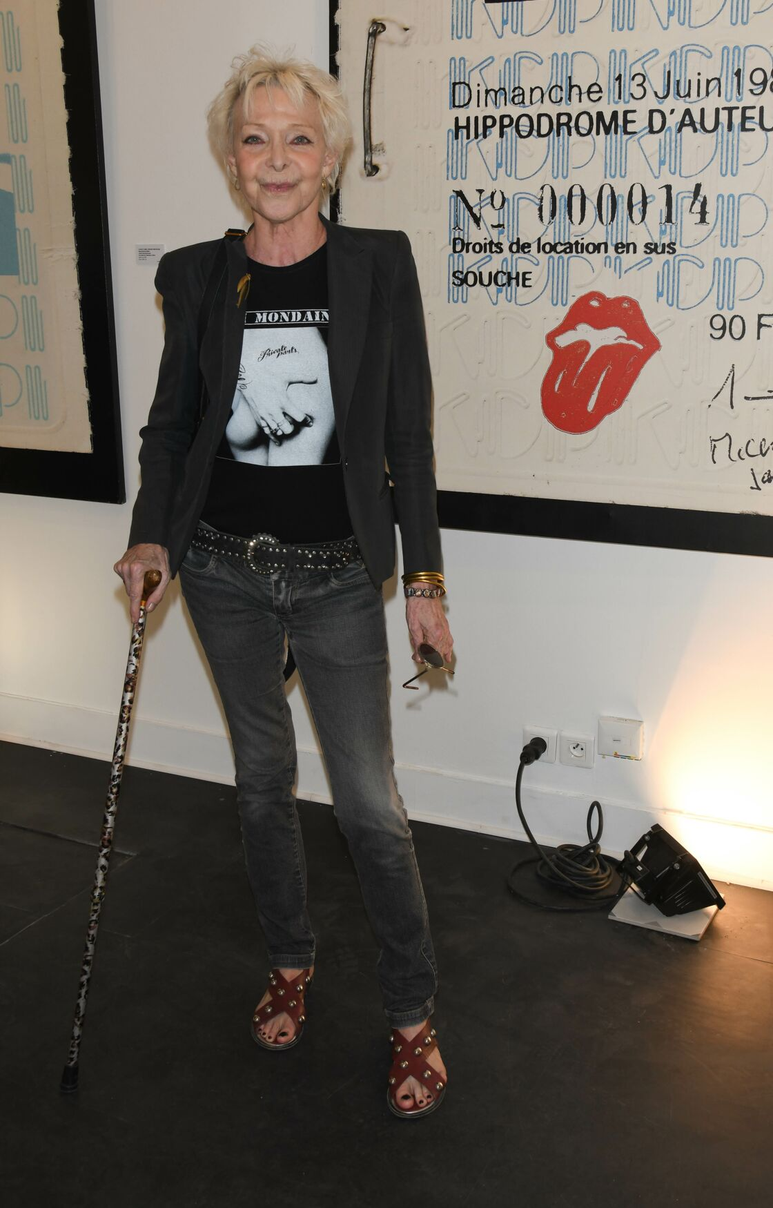 L'une des dernières apparitions de Tonie Marshall à un vernissage parisien du plasticien Albert Koski, en juillet 2019.