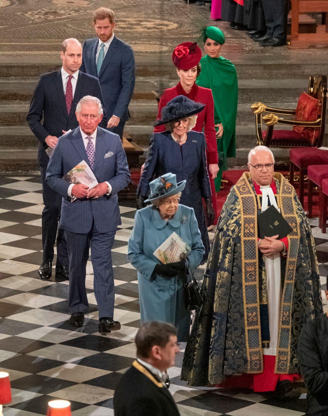 Harry et Meghan en procession derrière la reine, Charles et Camilla, Kate et William, à la fin du service célébrant le Commonwealth, à Westminster, le 9 mars 2020.