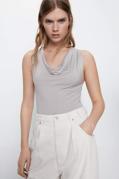 Body drapé gris perle Zara, 16€