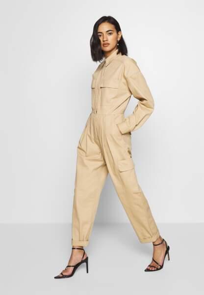 Combinaison beige de la marque Who what wear, marque disponible sur Zalando.fr