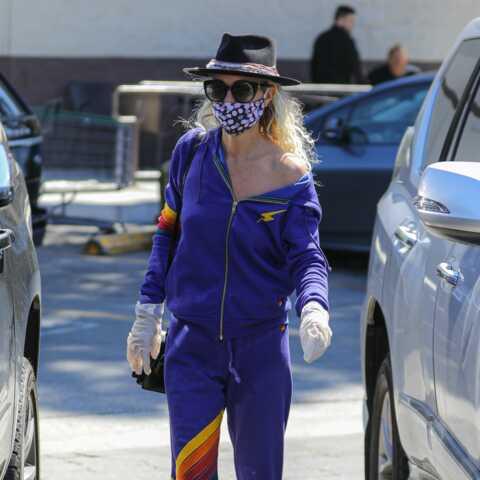 PHOTOS – Laeticia Hallyday avec un masque: elle donne l'exemple à Los Angeles