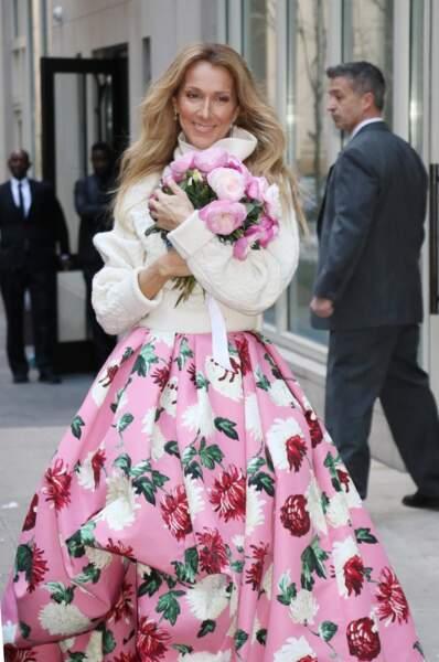 Céline Dion : solaire à la sortie de son hôtel new-yorkais en mars 2020