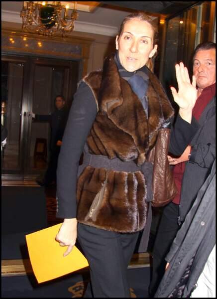 Céline Dion à la sortie de son hötel en 2009