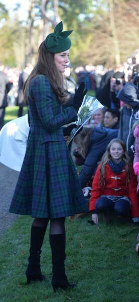 Kate Middleton en 2013, mise sur le tartan comme Lady Di