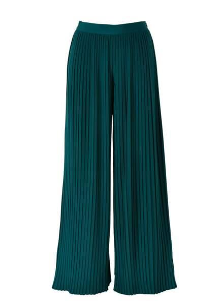 Pantalon large plissé en viscose, 149€, Un Jour Ailleurs.