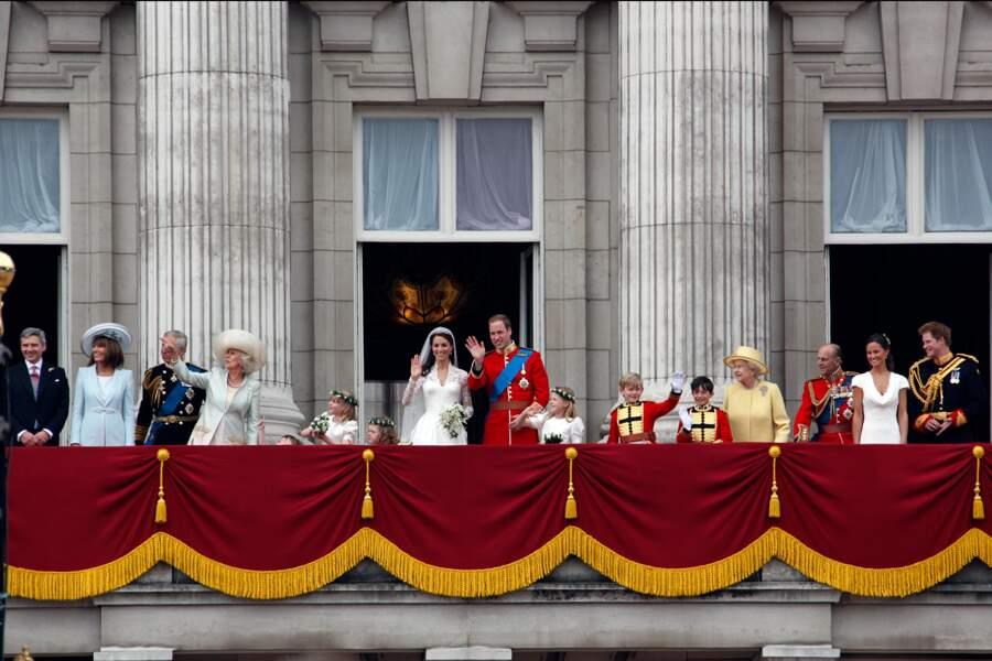 Le prince Philip et la famille royale d'Angleterre lors du mariage de Kate et William, en 2011.