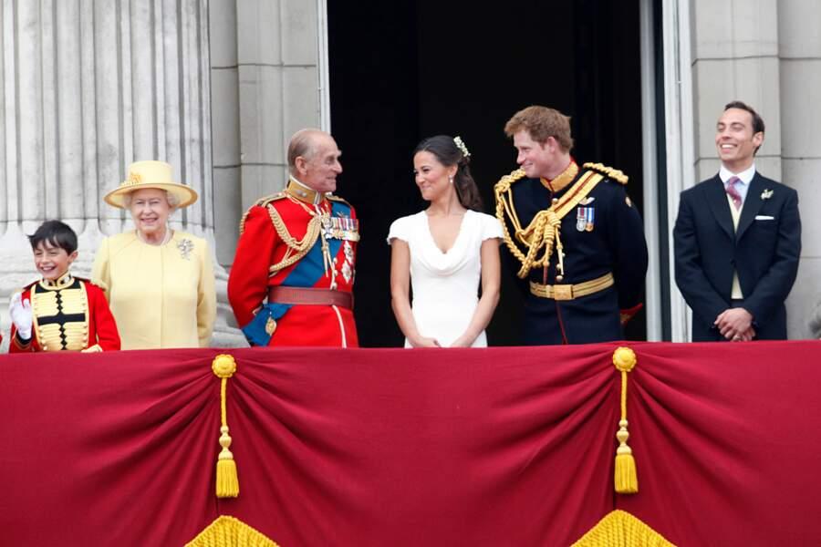 La joie de Philip, Pippa et Harry lors du mariage de Kate et William d'Angleterre, le 29 avril 2011.