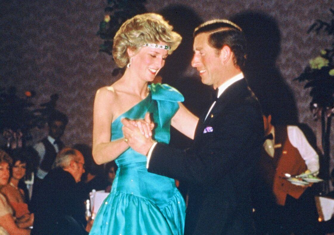 15 Ans De Mariage De Charles Et Camilla Leur Subterfuge Pour Communiquer Dans Le Dos De Diana Gala