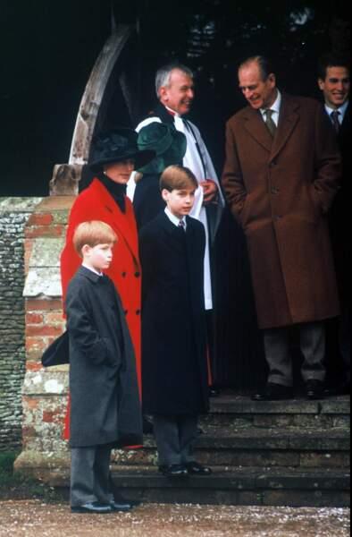 Le prince Philip avec Diana, William et Harry, en 1993