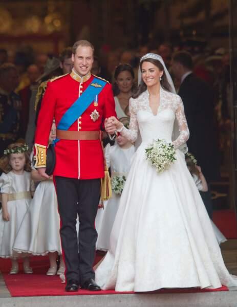 Kate Middleton et le prince William se sont rencontrés à l'université de St Andrews, lors de leur première année, et ont annoncé leurs fiançailles le 16 novembre 2010.