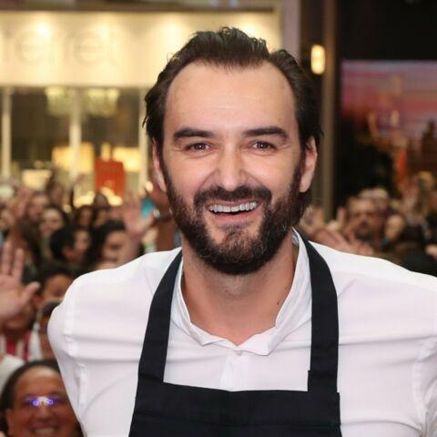 PHOTO – Tous en cuisine: Cyril Lignac bat des records et remercie son public avec un portrait gourmand