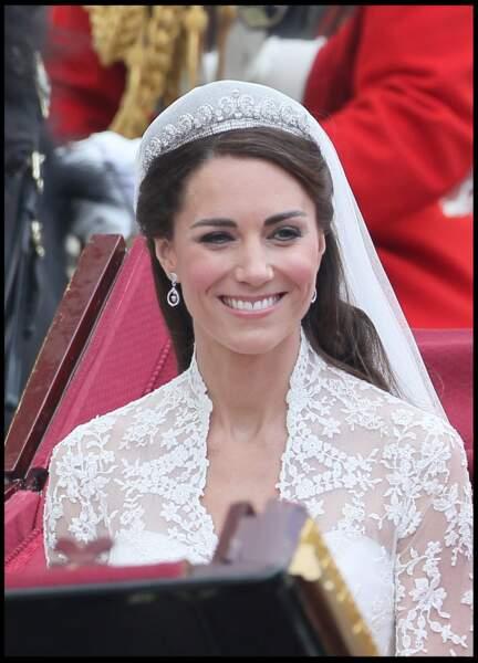 Un autre élément qui fait rêver : le diadème de Kate, qui accentue encore sa transformation en future reine.