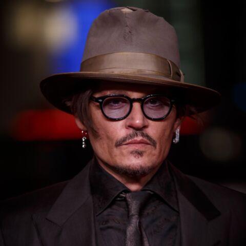 Johnny Depp, confiné, a trouvé comment s'occuper: il débarque sur Instagram et bat un record