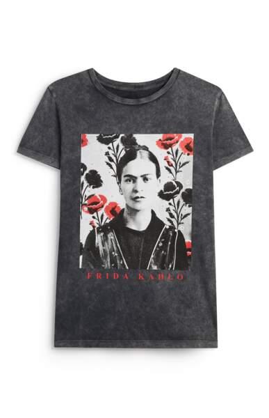 Tee-shirt Frida Kahlo en polyester, 15€, Primark.