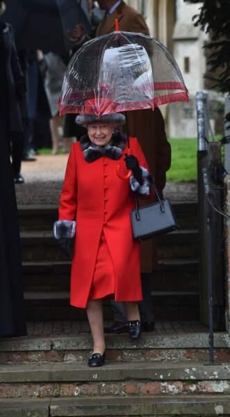 La reine Elizabeth II d'Angleterre à la messe de Noël en 2015