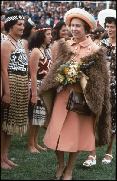 La reine Elizabeth II en voyage officiel en Nouvelle Zélande en 1977
