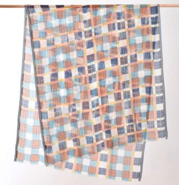 Foulard en coton et soie, 185 € Epices.