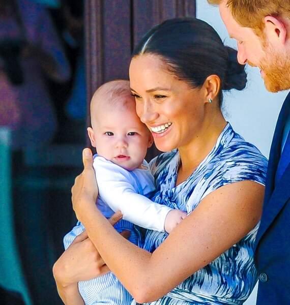 Le prince Harry et Meghan Markle présentant leur fils Archie à Desmond Tutu à Cape Town, en Afrique du Sud le 25 septembre 2019.