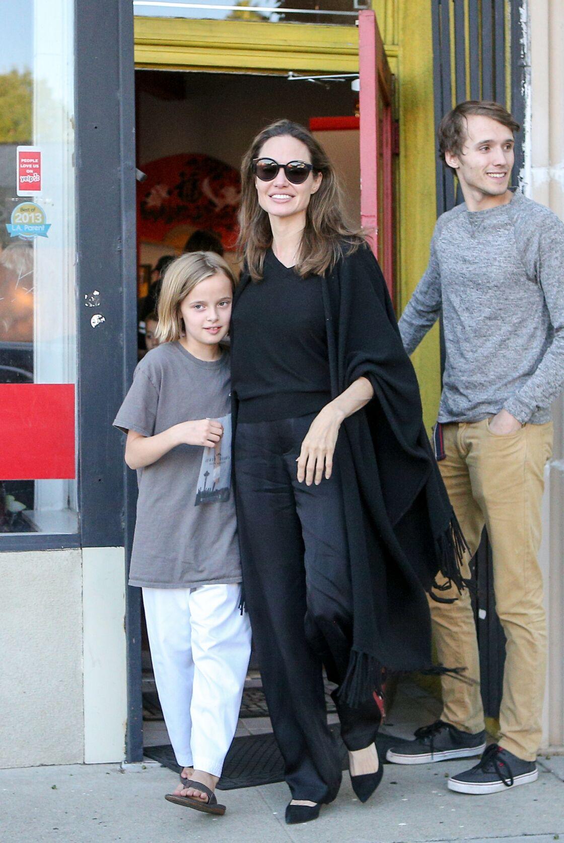Angelina Jolie, sa fille Vivienne et Oscar Crane en octobre 2018