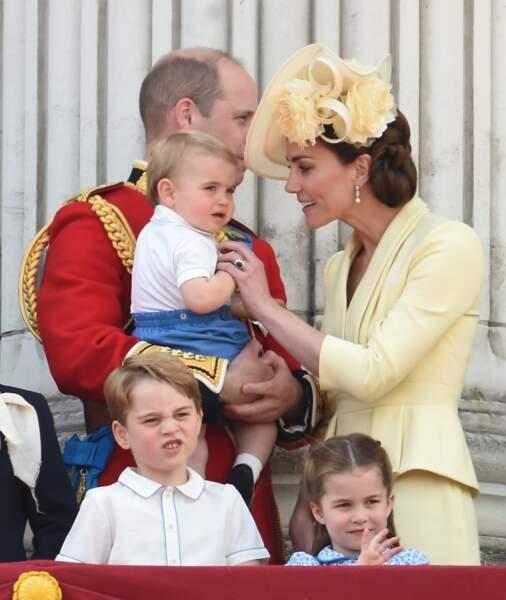 Le prince William et Kate Middleton avec leurs trois enfants, au balcon de Buckingham Palace pour la traditionnelle parade Trooping the Colour, le 8 juin 2019.