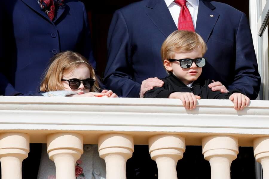 La princesse Gabriella, le prince Jacques  lors de la procession de Sainte Dévote à Monaco le 27 janvier 2020. Des enfants à la pointe de la mode avec leurs lunettes de soleil !