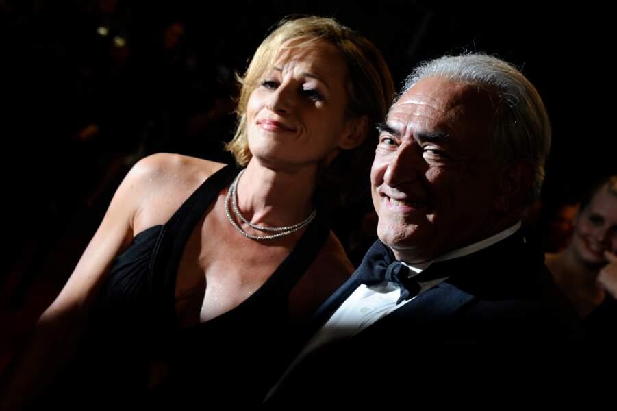 Dominique Strauss Kahn et sa compagne Myriam L'Aouffir lors de leur première apparition publique sur le tapis rouge du 66eme festival du film de Cannes le 25 mai 2013
