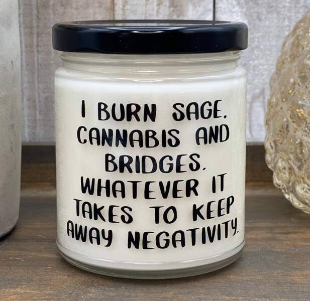 Cannabis candle, 14,49 €, etsy.com