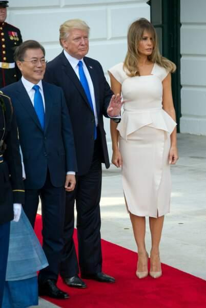 Melania Trump en robe Roland Mouret à la Maison Blanche, Washigton le 29 juin 2017.
