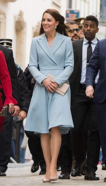 Kate Middleton dans un ensemble pastel au Luxembourg, le 11 mai 2017.
