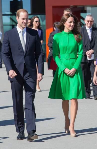 Kate Middleton mise sur du vert flashy en Australie le 24 avril 2014