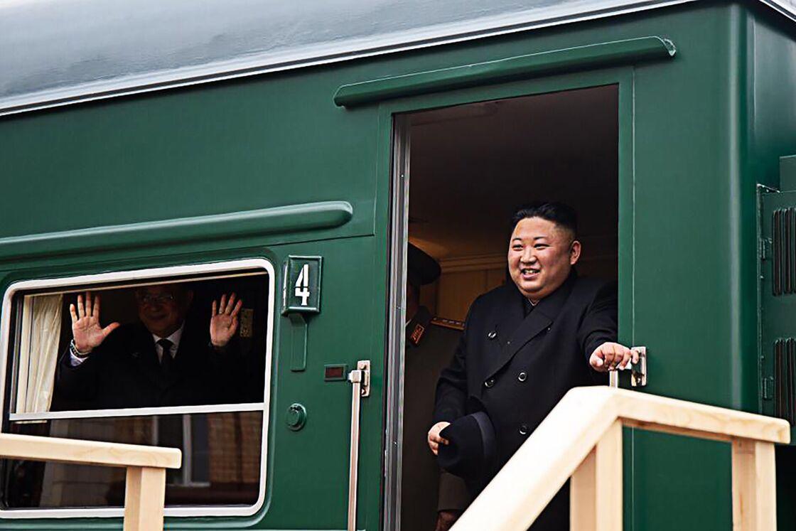 Kim Jong-un à bord de son train blindé en 2019