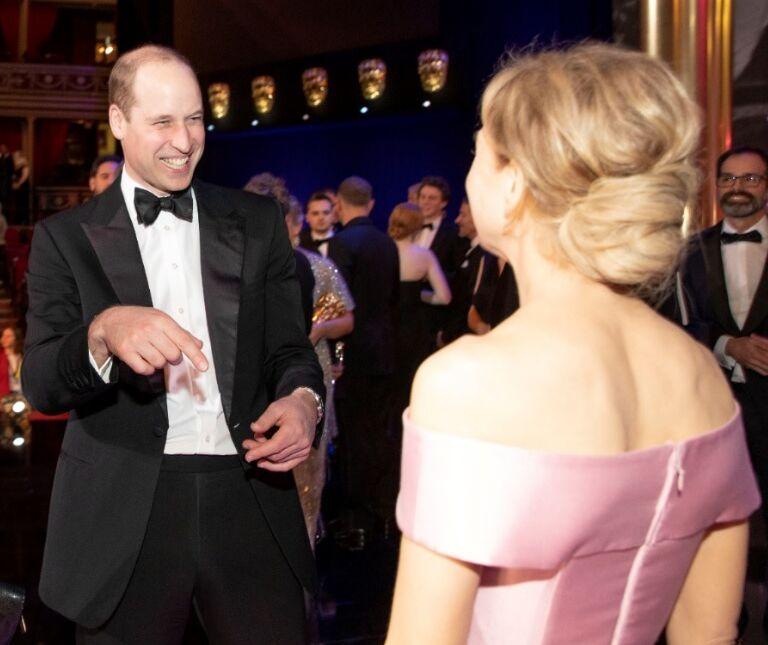 Le prince William a l'œil qui frise face à Renée Zellweger lors de la cérémonie des BAFTA, à Londres, le 2 février 2020.