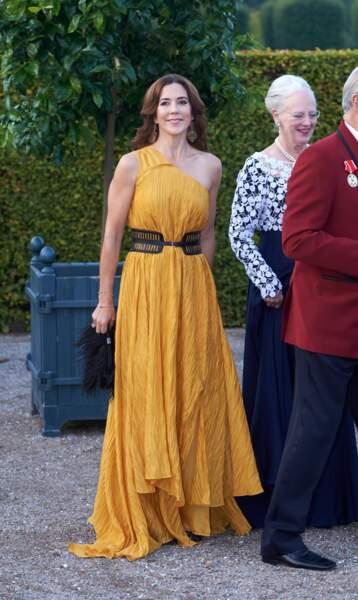 La princesse Mary de Danemark au dîner d'anniversaire des 150 ans de la Croix Rouge à Copenhague, le 11 septembre 2014.