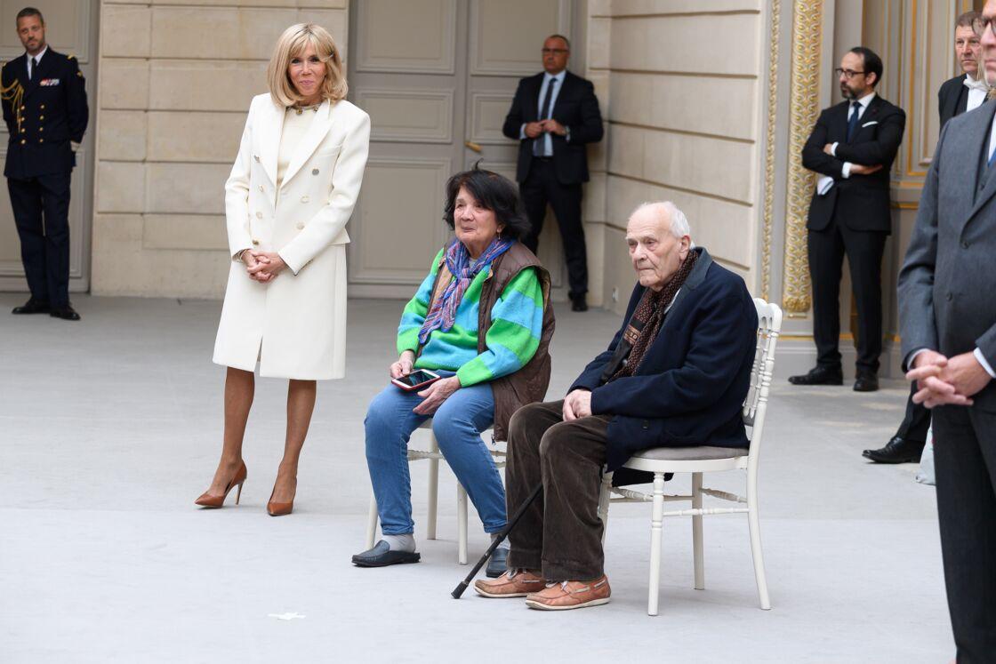 Le Dr. Christian Chenay, en compagnie de son épouse et de Brigitte Macron au palais de l'Élysée, ce vendredi 1er mai 2020