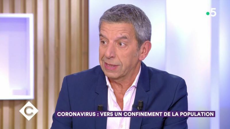 Michel Cymes faisant son mea culpa sur le plateau de C à vous, le 16 mars dernier.
