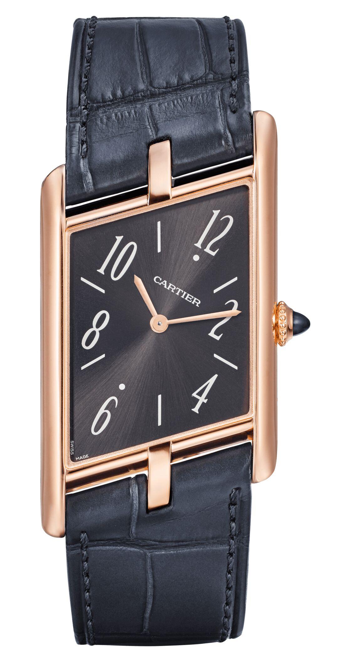 L'un des trois modèles de la montre Tank Asymétrique de Cartier qui sortira en octobre 2020, en 100 exemplaires numérotés.