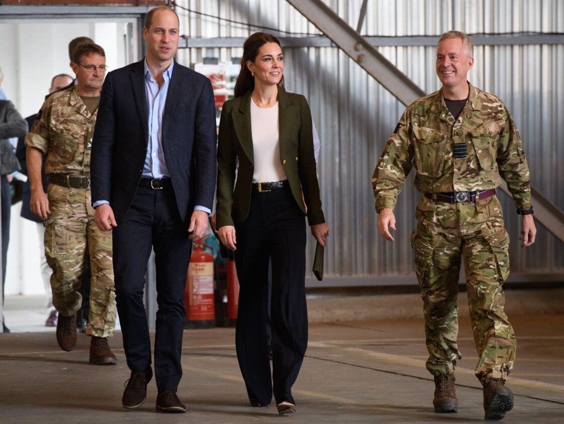 Le prince William et Kate Middleton sur la base militaire de la Royal Air Force d'Akrotiri, à Chypre, en 2018