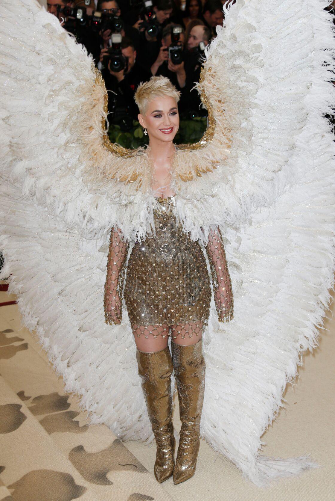 Katy Perry en tenue d'ange lors du Gala du Met en 2017.