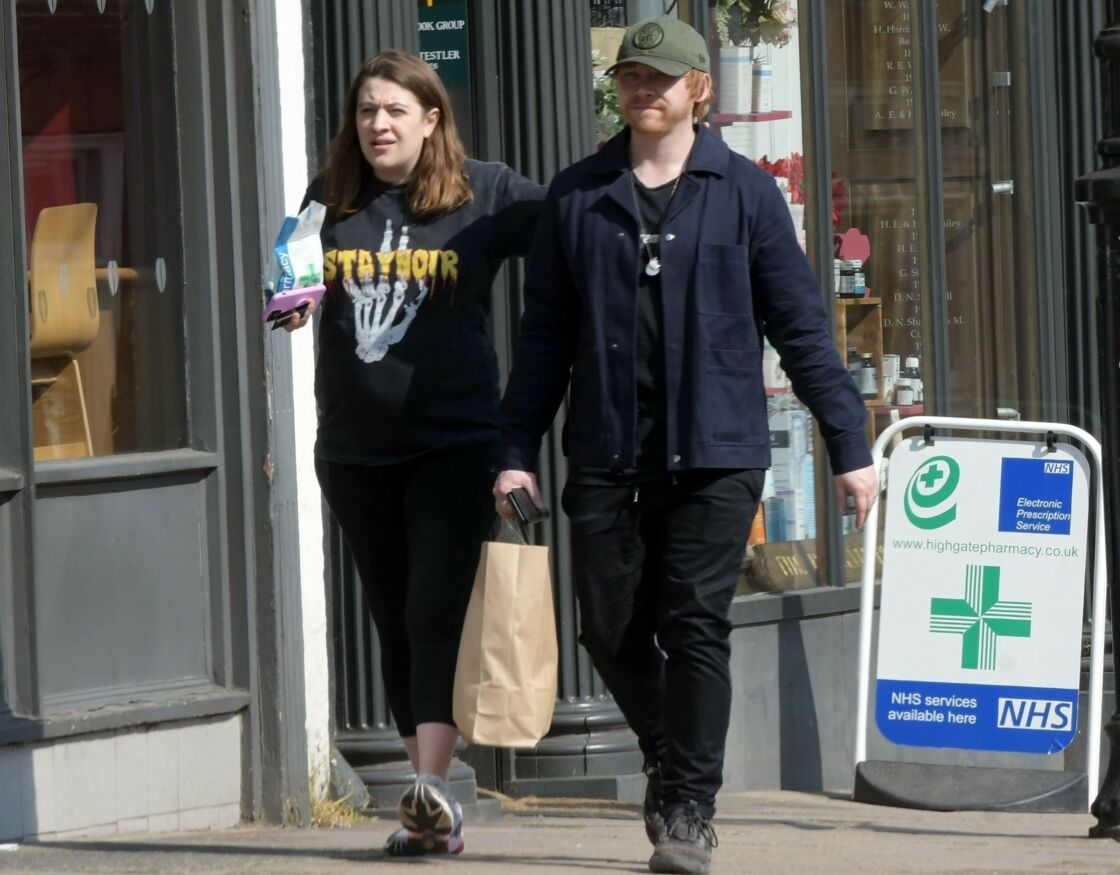 Georgia Groome et Rupert Grint, à Londres, le 9 avril 2020.