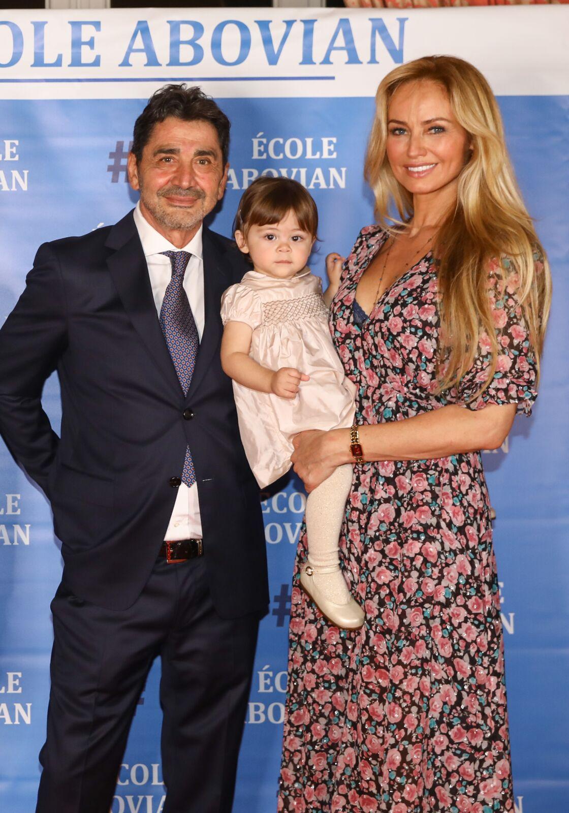 Adriana Karembeu, son mari Aram Ohanian et leur fille Nina réunis lors d'une soirée caritative organisée à Marseille, le 26 octobre 2019.
