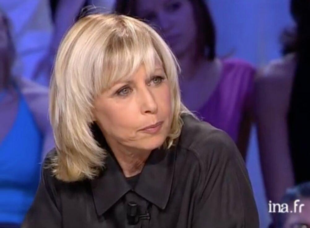 Irina Tarassov, lors de son interview dans l'émission Tout le monde en parle, en 2005. Elle était venue présenter son livre