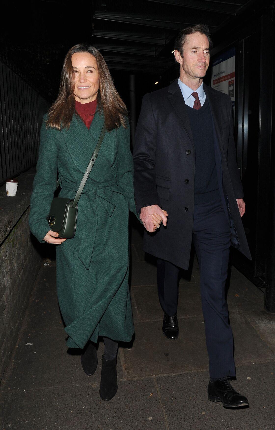 Pippa Middleton et son époux James Matthews en route pour célébrer la mémoire d'Henry van Straubenzee, à l'église St Luke, à Londres, le 4 décembre 2019.